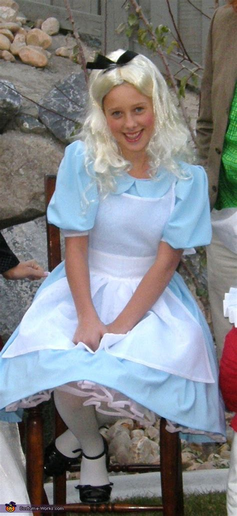 alice  wonderland characters halloween costume idea