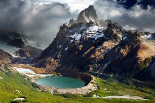 chile or argentina which is better patagonia wallpaper os patagonia argentina mountains lake