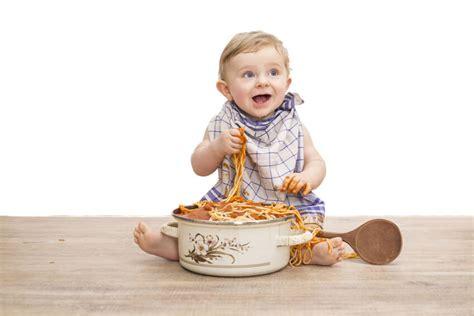 ab wann darf ein baby brot essen wie lernt mein baby essen