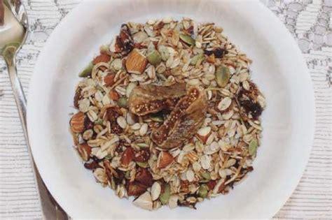 Vegan Muesli Fruit Delight 500 Gr fig date coconut and vanilla muesli