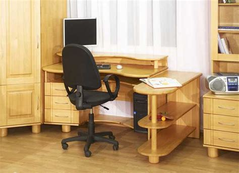 How To Select The Best Student Desk And Chair For Students In Desks