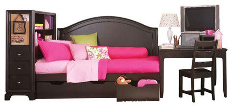 midtown bedroom set lea midtown 3 piece twin daybed kids bedroom set in dark