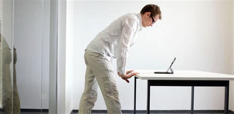 how to use a standing desk how to use a standing desk the muse