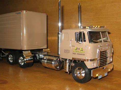 model semi trucks international cab diecast cars trucks