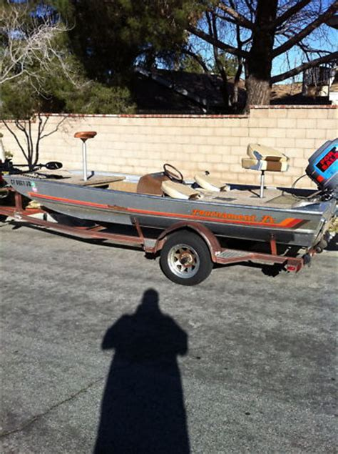 bass boat questions old school bass tracker question