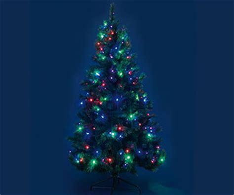 alberi di natale illuminati alberi di natale artificiali per un natale pi 249 verde