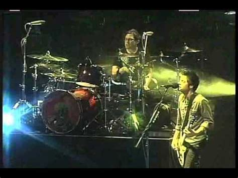 comfortable liar chevelle comfortable liar 2009 live youtube