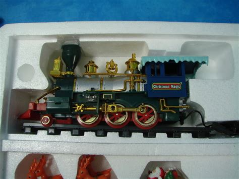 1996 toystate north pole christmas express train set