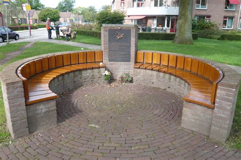 wiki bench file airborne monument wolfheze bench jpg