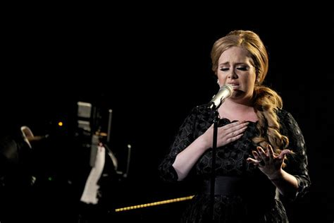 adele global album sales atrl album sales rise in u s for first time since 2004