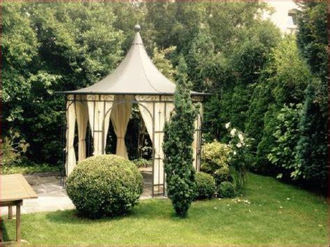 kleiner gartenpavillon offen oder geschlossener pavillon