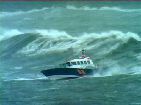 small boat big waves song pilot boat pathfinder in storm force 10 with 8m seas