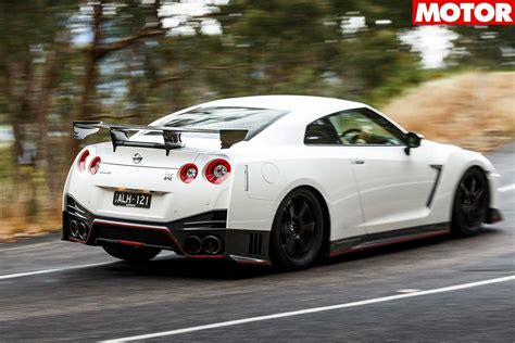 nissan r35 nismo nissan gt r nismo performance car of the year 2018 4th place