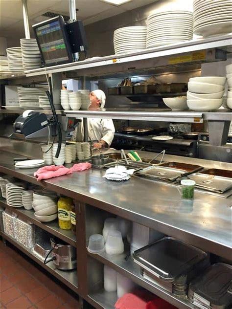 buca di beppo kitchen table buca di beppo italian restaurant