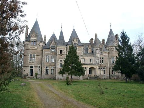 chambre des m騁iers loire atlantique chateau neo gothique en limite de la vend 233 e et de la