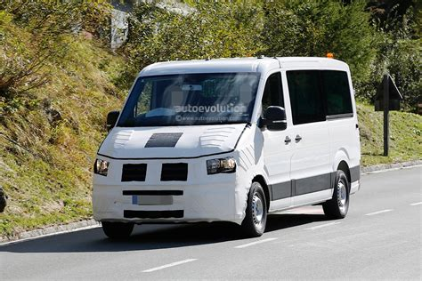 volkswagen caravelle 2017 spyshots 2016 2017 volkswagen crafter takes after the