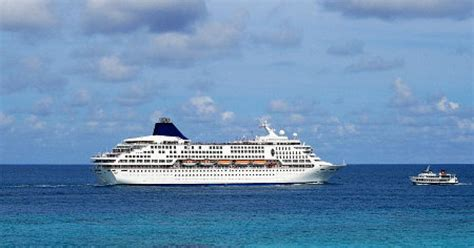 theme cruises definition theme cruises have bikers nudity more ny daily news