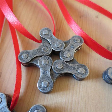 christmas decorations out of bike chains 4 awesome bicycle tree decorations