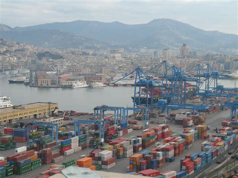 porto di genova file genova porto img 2531 jpg wikimedia commons