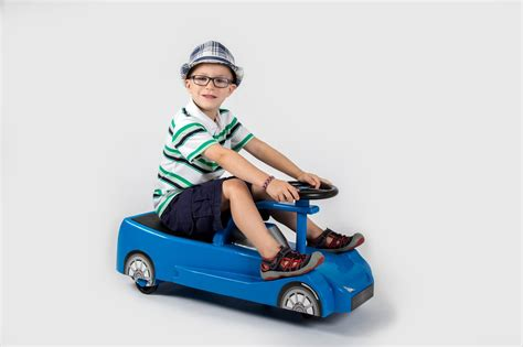 swing cars active play swing 3000 powered ride on car upzy