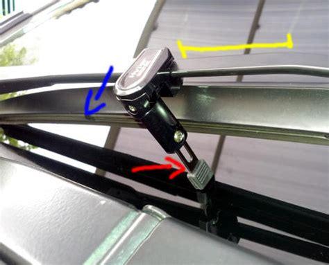 Penyangga Wiper Mobil Mitsubishi Xpander otomotif tips mengganti air dan karet wiper