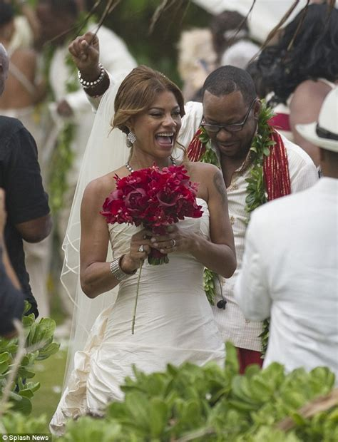 Bathtub Ring For Baby Bobby Brown Weds Alicia Etheredge Four Months After Death