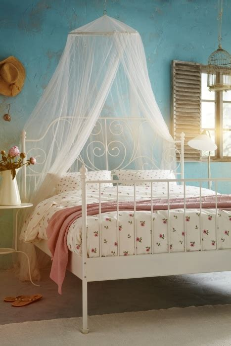 mosquito in bedroom 23 dreamy and practical mosquito nets for your bedroom digsdigs