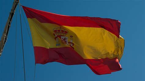 andalucia roja y la 8415338600 bandera de espa 241 a origen significado e historia de la bandera