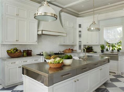 stacked kitchen cabinets thingswelove stackedkitchencabinets design chic design chic