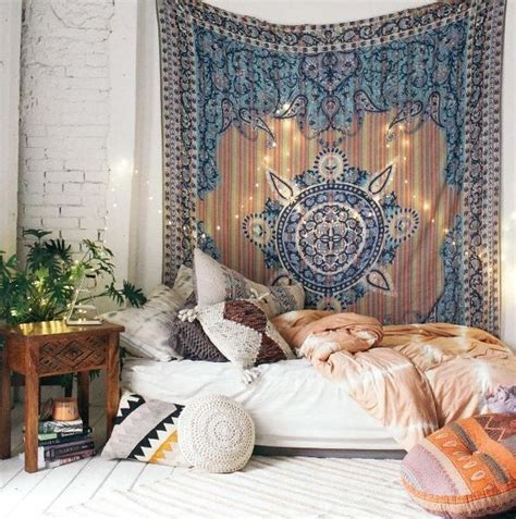 bohemian themed bedroom best 25 bohemian bedrooms ideas on pinterest bohemian