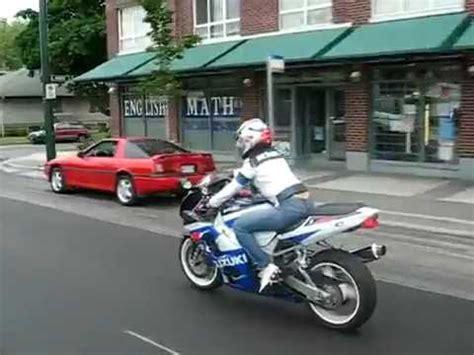 Motorrad Fahren Mit Jeans by Sexy Frau Auf Dem Motorrad Sehr Sch 246 N Youtube