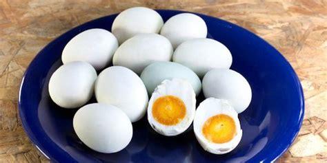 Telur Asin Batu Bata cara membuat telur asin dengan abu gosok dan batu bata