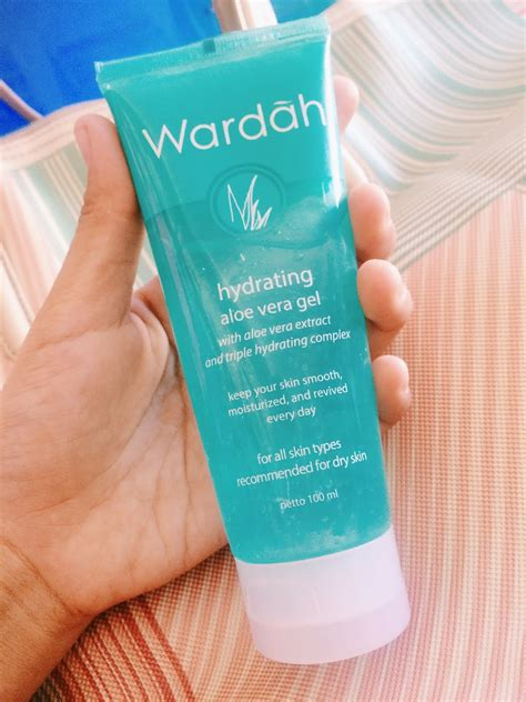 Wardah Gel Lidah Buaya review wardah hydrating aloe vera gel moeslema