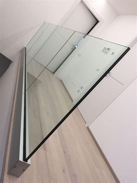 fissaggio tende a vetro la metal design parapetti vetro