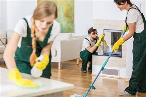 cleaning house tips for hiring a house cleaning service
