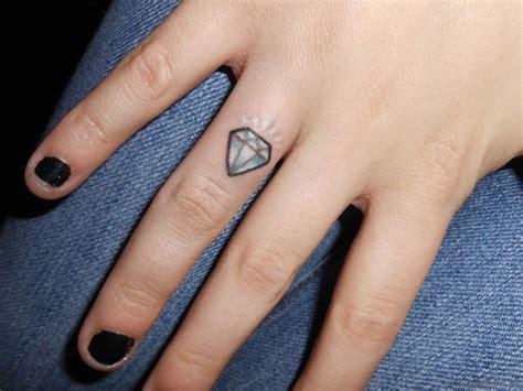 fantastic tattoo designs 58 luxury tattoos on fingers