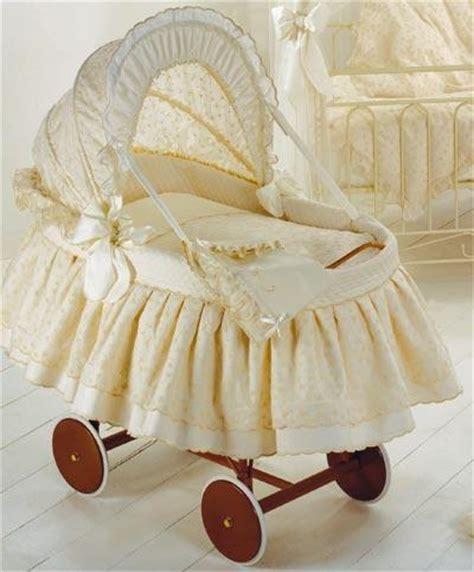culle di vimini rivestite come scegliere la culla per il beb 233 arte ricamo