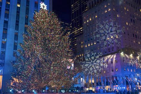 performers for the christmas tree rockefeller rockefeller tree lighting attracts thousands heraldnet