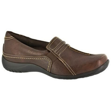 comfort street shoes easy street change comfort slip on shoes page 1 qvc com