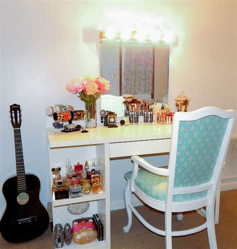 Diy Vanity Table With Lights by Pin By Brenes On Home Ideas Crafts