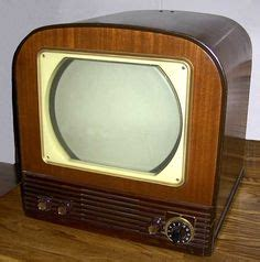 when were colored tvs invented 1000 ideas about tv sets on television set