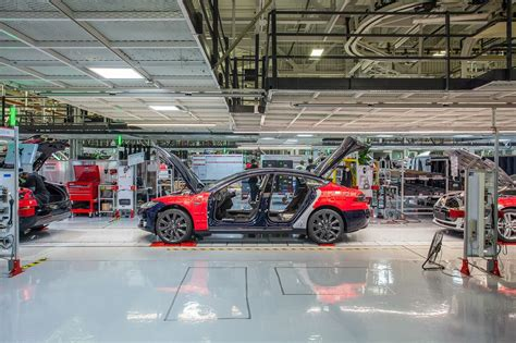 tesla factory wired takes a tesla factory tour with diarmuid o connell