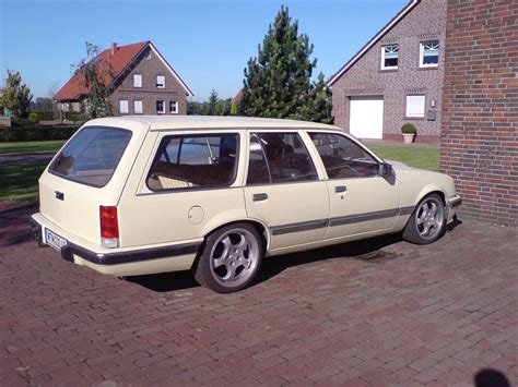 opel rekord station 100 opel rekord station wagon the world u0027s best
