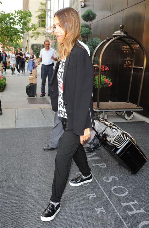 international hair show nyc august 2015 jessica alba john f kennedy international airport in