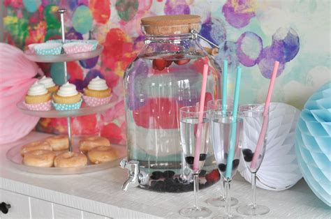 Baby Shower Giveaway Ideas - an easy baby shower setup plus a chex party mix baby shower giveaway