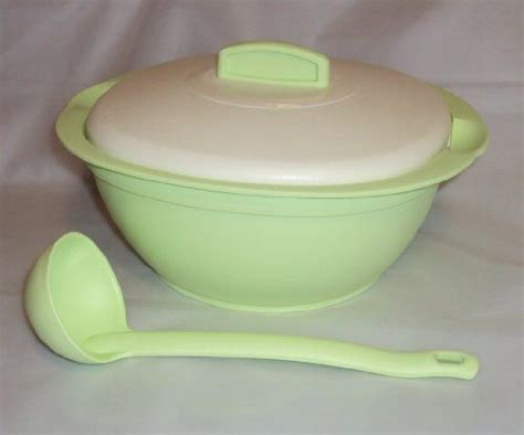 Tupperware Legacy 2 8l tupperware legacy covered soup tureen serving dish w