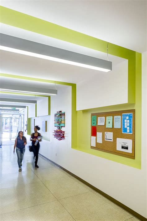 Modern School Interior Design by Best 25 School Design Ideas On Library Design