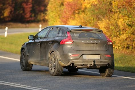volvo xc40 spied competition for x1 q3 indian cars bikes