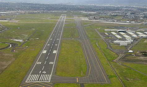 Home Plane by Runway Information Rogue Valley International Medford