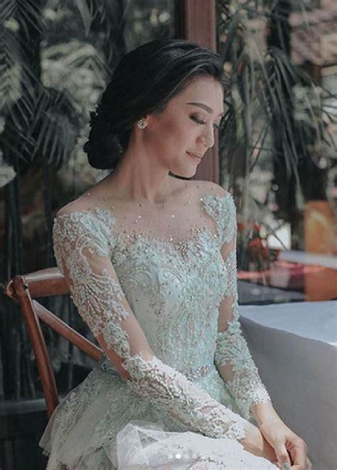 Kebaya Tunangan kebaya gaun tunangan raditya dika yang unik dan elegan
